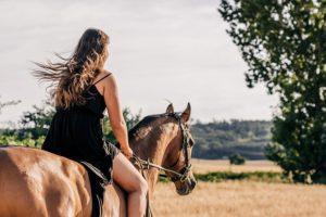 Horse riding kotli